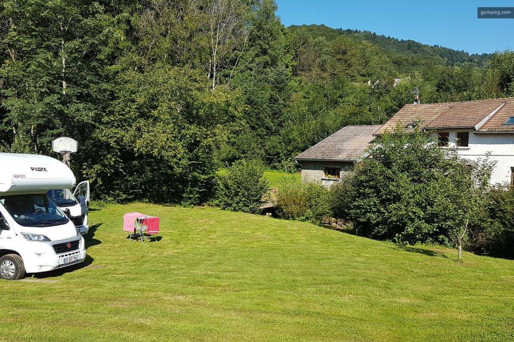 Aire camping-car à Fresse (70270) - Photo 2